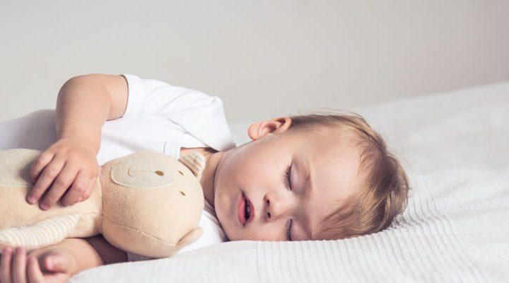 Zo slaapt jouw baby ook door