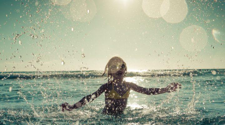 De leukste badcapes en strandlakens voor jongens en meisjes